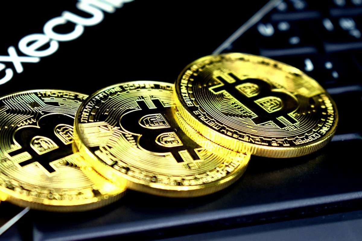 Bitcoin's Address Growth Plateaus as BTC loses $30k Support