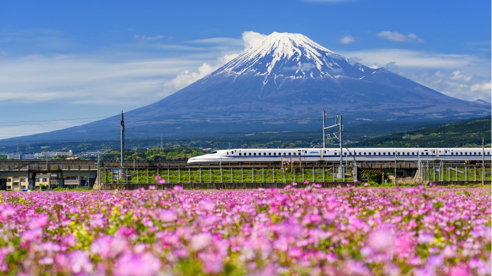 Japanese bullet trains will soon have special high-speed video conferencing pods